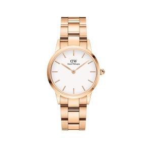 Overvejer at sælge min smukke ur Den er lige købt d 20.06.2020 Den er som ny næsten, kun gået med minimalt!  Alt følger med, garanti haves.. den er kun en mdr gammel.. ønsker kun seriøse henvendelser!  Np 1300 kr  Farven er rosaguld