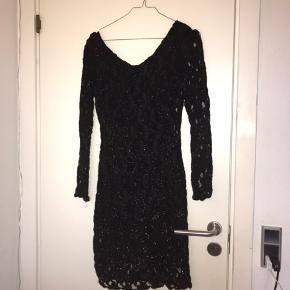 Message kjole - mærke: Storm og Marie - super fin og lækker kjole - ny med prismærke   Nypris var - 999kr