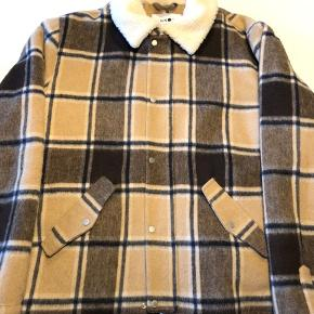 NN07 jakke i samarbejde med en italiensk leverandør, utrolig flot kvalitet og aldrig brugt