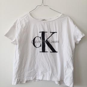 Crop top fra Calvin Klein 😍