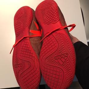 Fine indendørs sko fra Adidas i str 36 1/3