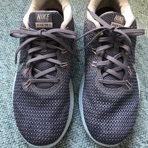 Brugt lidt købt i Malaga i en Sportsmaster  De hedder Nike training flex TR 7 BYD