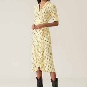 Ganni kjole, helt ny og aldrig brugt 🌼