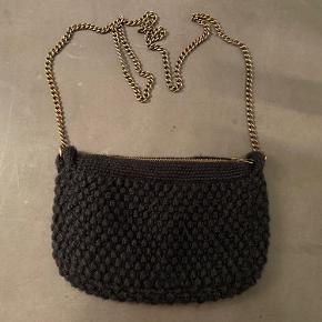 Sort strikke Aiayu : Helen chain clutch