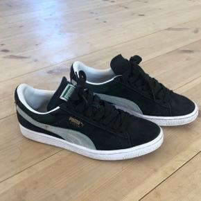 Puma sneakers, i god stand. Prisen er eks Porto.
