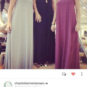 Sælger de 3 kjole