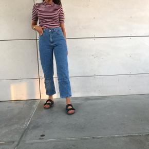 SÆLGER HELE SÆTTET ❤️  - boyfriend jeans fra Moss CPH 🌸  - Stribet bluse fra Samsø Samsø 🌸   Begge dele S