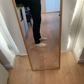 Str. 30/32. Brugt få gange (1-2), da jeans ikke er mig. God kvalitet