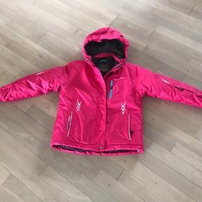 Ny jakke har aldrig været på i str 128/134 Str 8