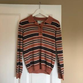 Fin stribet trøje med glimmer fra Moves. Trøjen er kun brugt få gange, og er i perfekt stand. 😊