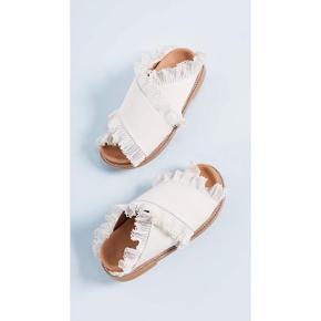 Sælger disse smukke og totalt udsolgte beth slides sandaler fra Ganni. Str 37. De har kun været prøvet på. Æske, dustbag og kort følger med til dem.