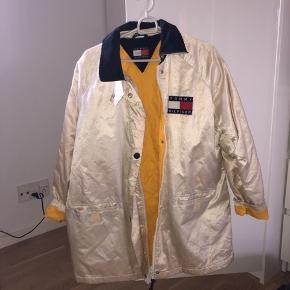 Vintage retro Hilfiger jakke Unisex  Tager gerne imod bud