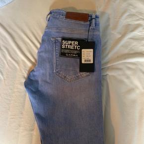 Helt nye Gabba super stretch jeans Str 29/30  Model: Jones Np: 899kr  Købt forkert Sender gerne