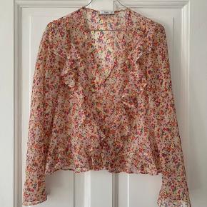 Fin skjorte fra Mango :-) Bytter ikke.