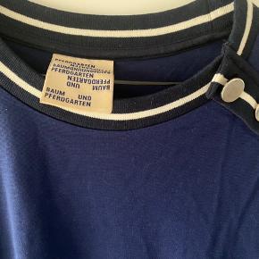 så lækker bluse med knappedetaljer brugt få gangw