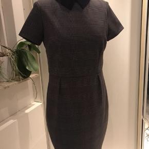 Fin Mad Men vintage-stil kjole med lommer fra Joanie Clothing. Str 38.