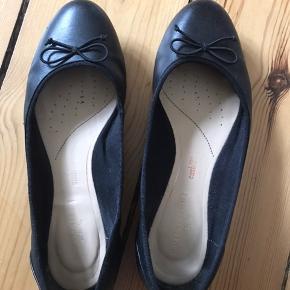 Super lækre ballerina sko. Ikke brugt ret meget. Købte dem sidste sommer.