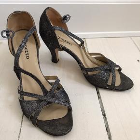 c50e6eb6658 Str 37,5 Fine glitter-sandaler fra Repetto. Købt herinde men de er