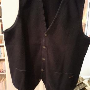 BOSS vest