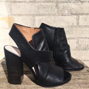 Maison Margiela heels