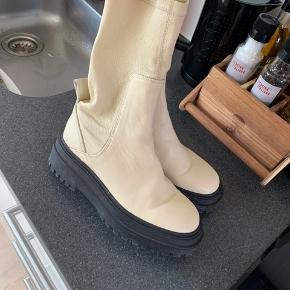 Sælger disse støvler, brugt 2 gange