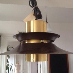 Fog & Mørup Retro loftlampe i fin stand. Ø 35 cm.