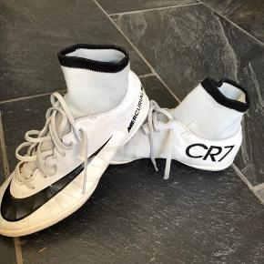 Indendørs fodbold sko.