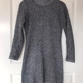 Strik kjole fra Garcia Jeans. Str. 164-170