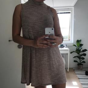 Super fed kjole str S Passes også af Xs