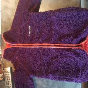Varetype: KATVIG FORET FLEECE Farve: se  Super lækker fleece jakke i god stand.