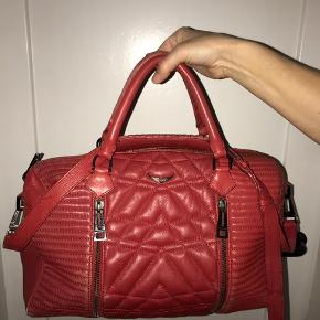 Sælger min Zadig et Voltaire taske. Skriv for flere billeder.  Np: 3000 tror jeg Mp: byd