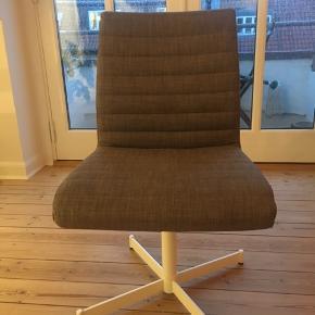 Bolia Vitesse drejestol. Kan bruge som kontor- eller spisebordsstol