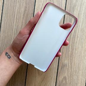 ❌Cover til iPhone 11 ❌ Cover købt hos Kitto Design nypris var 260kr. Aldrig brugt. Sælges for 200