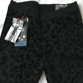 Nye sorte leopardjeans  fra Molo, som min datter ikke fik brugt - stadig med mærke. Skinny model.   Mp 200pp