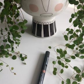 GOSH - Minerale Waterproof Eye Shadow 004 👩🏻🦱  Byd gerne kan enten afhentes i Aarhus C eller sendes på købers regning 📮✉️