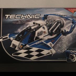 Helt ny lego Technic - uåbnet.  Kom m et bud - sender gerne for købers regning 😊😂