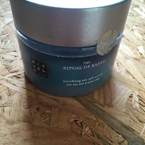 Ubrugt sea salt body scrub fra Rituals. Limited edition. 450 ml.