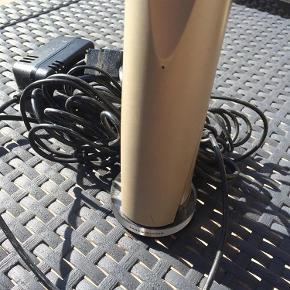 Brugt, virker ikke pt da batteri skal skiftes.  Trådløs  Telefon Farve: Sand