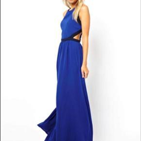 Mango blue cut dress i str. S. Bedere billede kan sendes pb☺️