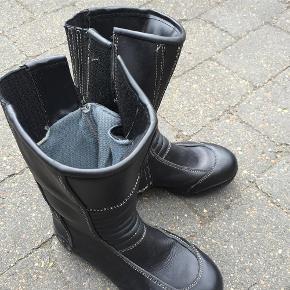 motorcykel støvler: Secondhand fashion på Trendsales.