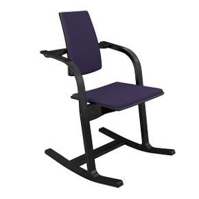 Ergonomisk stol fra Stokke, af designer Peter Opsvig. Stolen følger dine bevægelser, så du hele tiden har den korrekte sidestilling.