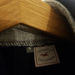 Hættetrøje i perfekt stand  100% bomuld