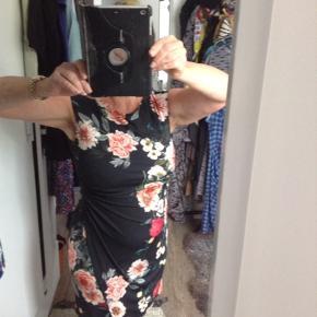 Wallis kjole eller nederdel