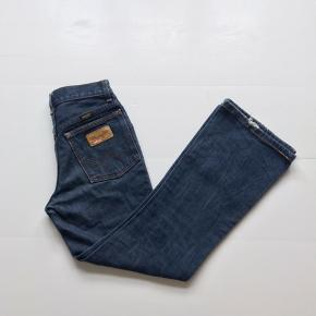 Vintage Wrangler Flared Jeans Mørkeblå Str 26 / 32