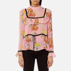 Sælger den her bluse fra Ganni✨   Modellen hedder Marceau georgette i pink.     Kom med realistiske og acceptable bud☝🏻