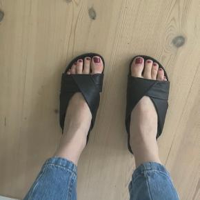 Cool sandaler i 100% læder fra Massimo Dutti. Fin stand.