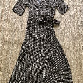 Never worn. Listing price is a mp.