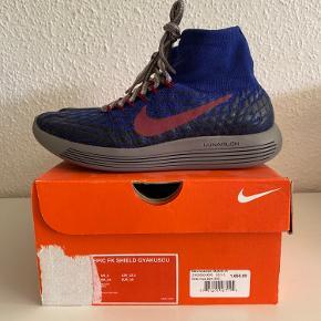 Helt nye Nike x undercover gyakusou løbe sko.  Købte dem til min kæreste men hun brugte dem aldrig.