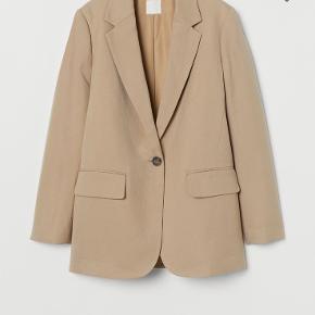 Ny ubrugt beige blazer fra H&M