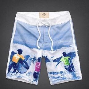 Varetype: Badeshorts-NYE! Farve: Multi Oprindelig købspris: 350 kr.  Badeshorts el almindelige shorts - kan bruges til begge dele